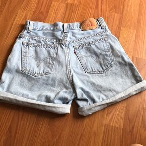 Levi's Women's highwasted shorts